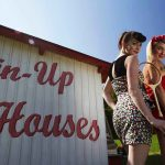 pin-up tiny houses models