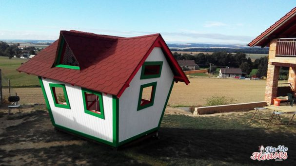 kids playhouse gable roof